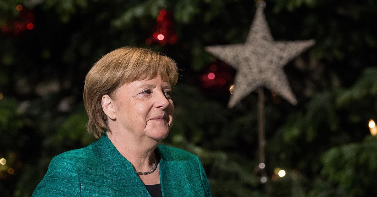 Ein Krummdolch zu Weihnachten? Hier versteigert Merkel ihre Staatsgeschenke