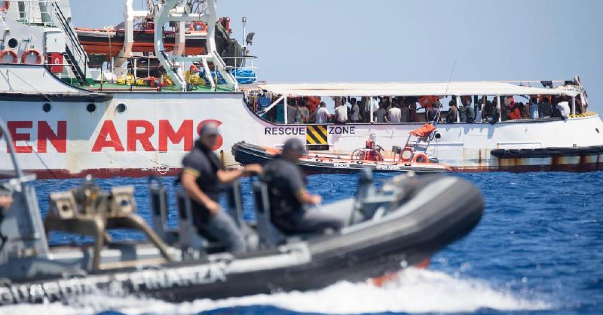 """Kapitän warnt vor Eskalation: Lage auf Rettungsschiff """"Open Arms"""" ist """"explosiv"""""""