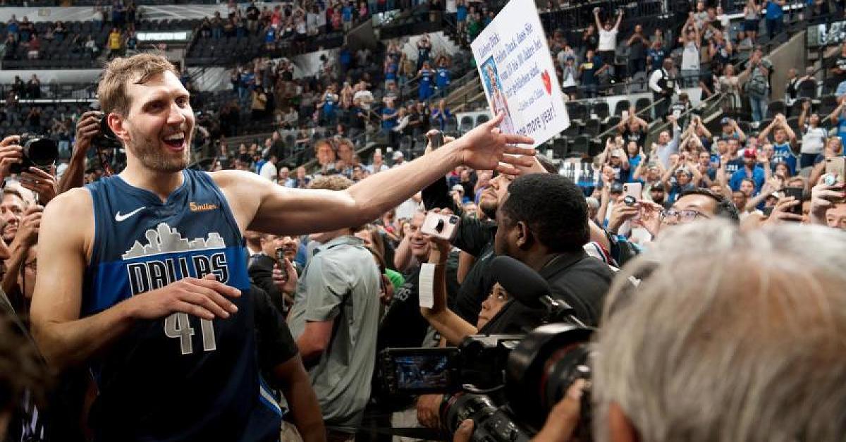 Dirk Nowitzki bucht komplette Zeitungsseite, um sich bei Fans zu bedanken