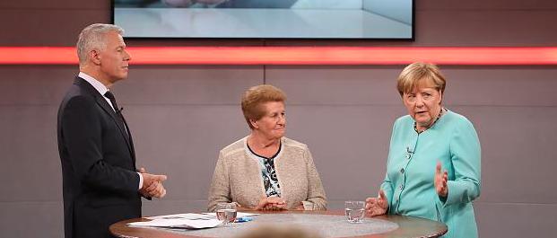 Geschicktes Manöver mitten in der Sendung: Plötzlich übernimmt Merkel die Kontrolle über das RTL-Townhall
