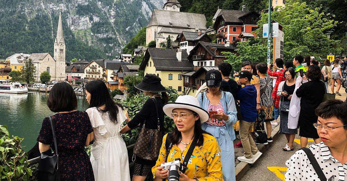 Touristen überrennen Alpen-Dorf in Österreich - jetzt wehren sich die Einwohner