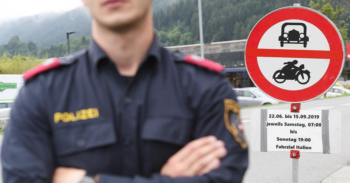 Kontrollen an Autobahnausfahrten: Tiroler Polizei setzt Fahrverbote jetzt um